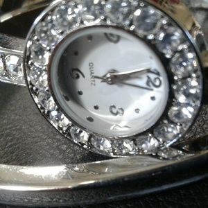 New Avon Silvertone Watch and Bracelet Set